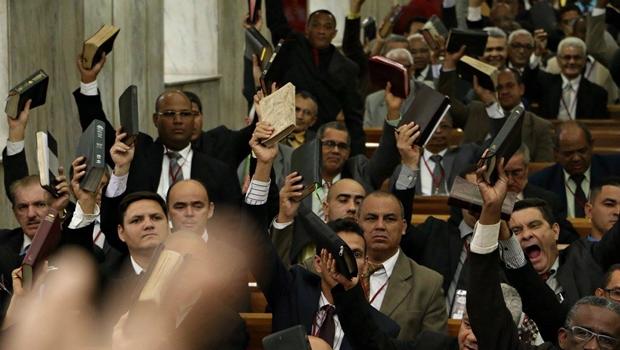 Em busca de isonomia, TSE intensifica debate acerca do abuso de poder religioso nas eleições