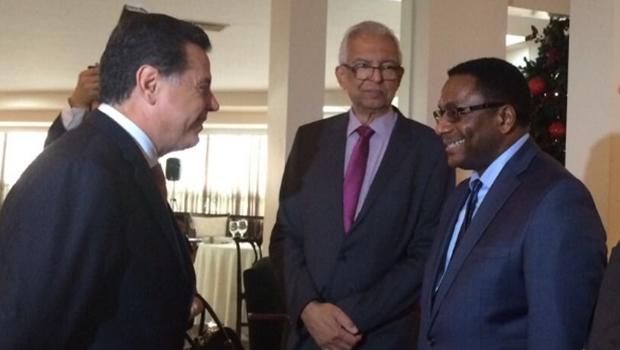 Marconi recebe delegação da prefeitura de Toronto no Palácio das Esmeraldas
