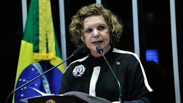 Senadora Lúcia Vânia pode disputar reeleição ou mandato de governadora