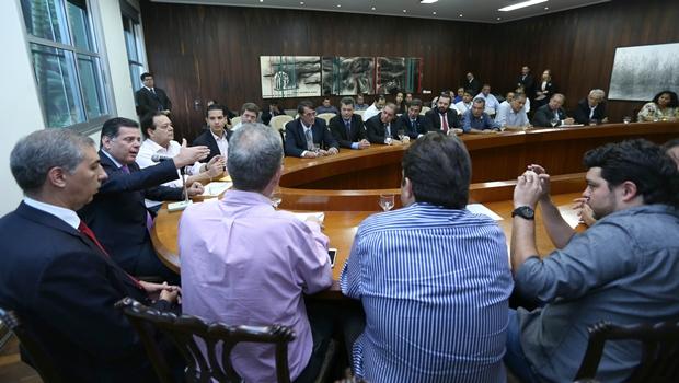 Marconi se reuniu com mais 13 prefeitos nesta quinta-feira   Foto: Henrique Luiz