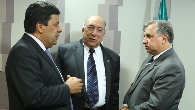 Ministro Mendonça Filho, relator senador Pedro Chaves (PSC-MS) e o deputado Izalci (PSDB-DF) | Foto: Luís Macedo/ Agência Câmara