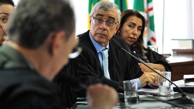 """Presidente eleito do TJGO nega existência de supersalários no Judiciário: """"São correções"""""""