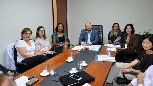 Secretário de Saúde, Marcos Musafir, em reunião com diretoria do HCor    Foto: Divulgação