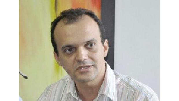 Joaquim Maia encontra-se com governador e cobra obras
