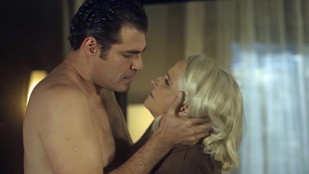 """Para subir audiência, Globo recorre a maratona de sexo em """"A Lei do Amor"""""""