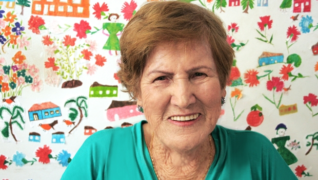 Aos 83 anos, escritora Ana Augusta lança primeiro livro de poesias no Goiânia Ouro