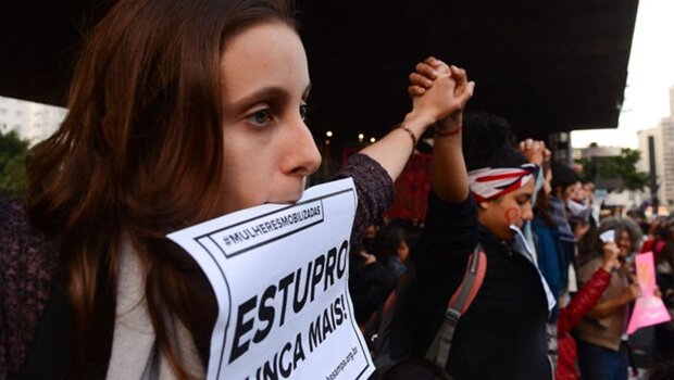 Pesquisa constatou que 27% dos entrevistados acreditam que mulheres podem ser culpadas em caso de violência sexual   Foto: Rovena Rosa / Agência Brasil
