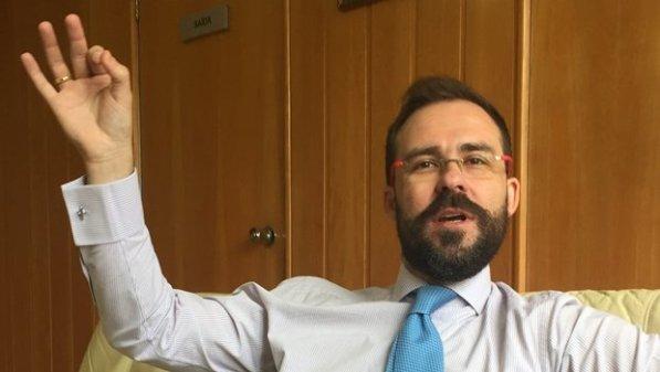 Lúcio Flávio foi categórico ao criticar os opositores e diz que sua situação nada tem a ver com a da ex-presidente Dilma Rousseff