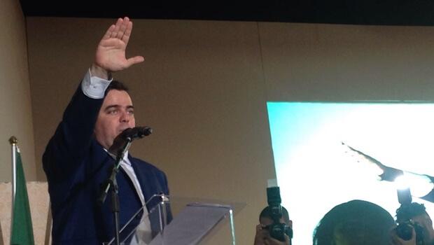 Gustavo Mendanha é empossado prefeito de Aparecida e anuncia reforma administrativa