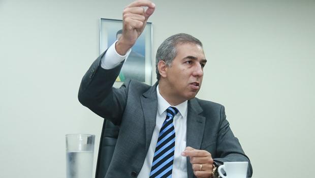 José Eliton terá a caneta nas mãos e será forte candidato a governador