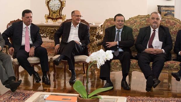 Em São Paulo, Jovair Arantes apresenta candidatura a Temer e Alckmin