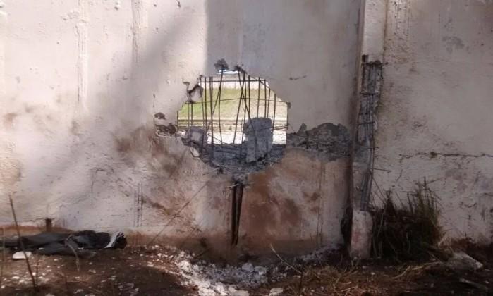 Grupo armado explode muro de presídio no Paraná: 28 presos fogem e dois morrem