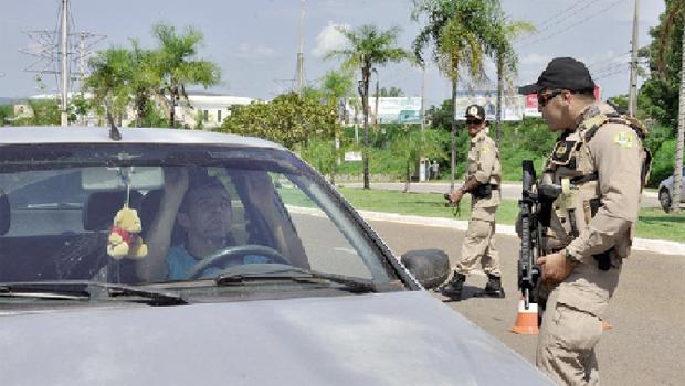 1,5 mil policiais por dia vão fazer a segurança durante o carnaval