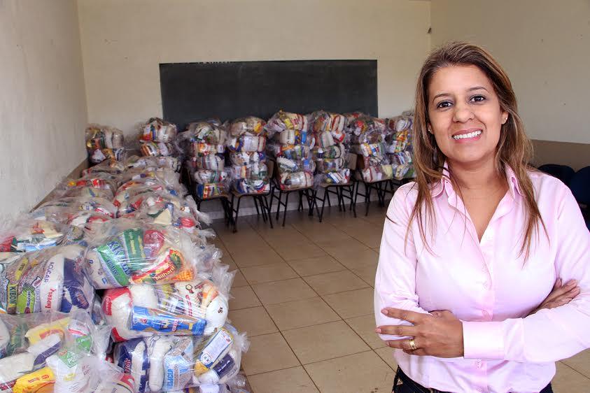 Aleandra Sousa, de Águas Lindas, é eleita para liderar primeiras-damas de Goiás