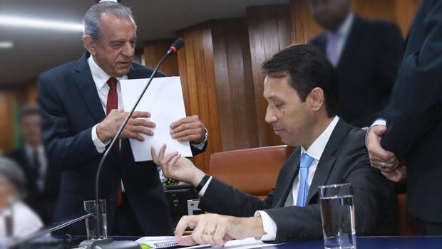 Presidente arquiva pedido de impeachment de Iris. Kajuru diz que fará outro