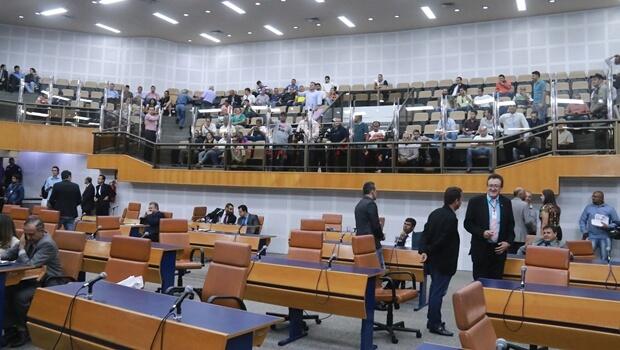 Vereador apresenta novo projeto para diminuir recesso parlamentar para 30 dias