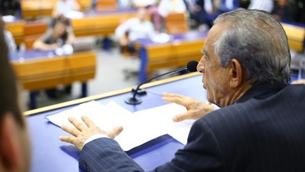 Vereador contesta presidente e diz que impeachment de Iris deve passar por plenário