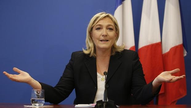 Há um princípio universal que a família Le Pen tem dificuldade em entender: um voto conta