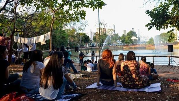 Projeto de lei proíbe consumo de álcool em parques e praças de Goiânia