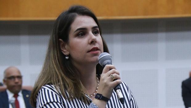 Vereadora cobra repasse a creches em Goiânia