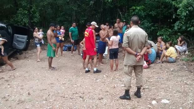 Cerca de 30 pessoas são resgatadas após ficarem ilhadas em Uruaçu