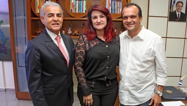 Reunião define construção de Escola de Tempo Integral em Luzimangues