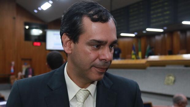 """""""Não sei dizer nem quem é base aqui na Câmara"""", diz vereador do PMDB"""