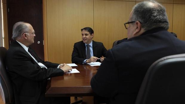 Thiago Peixoto discute planos para Cultura com ministro