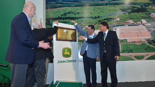 Marconi: expansão da John Deere em Goiás mostra que confiança voltou à economia