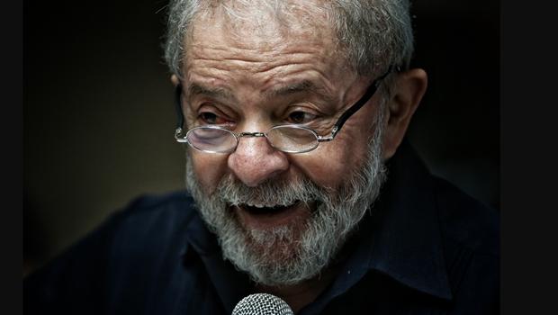 Acusado de tentar obstruir Lava Jato, Lula presta depoimento na Justiça Federal