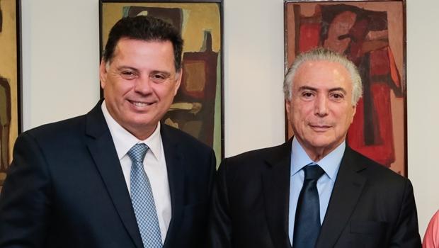 No aniversário de Rodrigo Maia, Marconi pede a Temer recursos para obras em Goiás