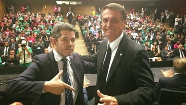 """""""Jair Bolsonaro vai ser eleito presidente para moralizar o Brasil"""", diz o deputado Waldir Soares"""