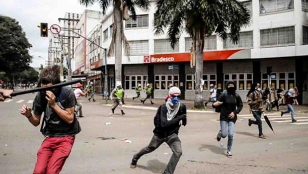 PM abre inquérito para investigar agressão a jovem durante manifestação