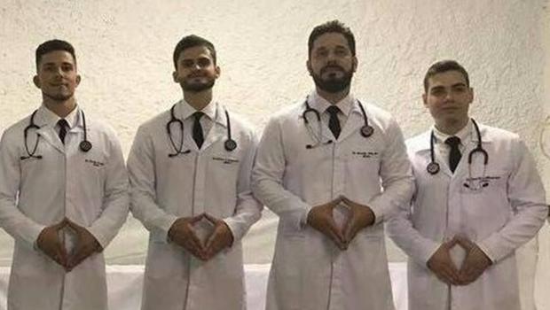 Estudantes de medicina lamentam repercussão negativa de foto misógina