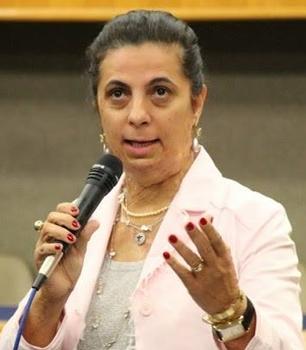 """""""Iris está no comando direto ou indireto de Goiânia desde 2005"""", lembra Dra. Cristina"""
