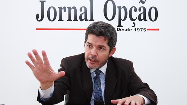 """""""Bolsonaro presidente vai trazer um pouco do que a intervenção militar pede"""""""