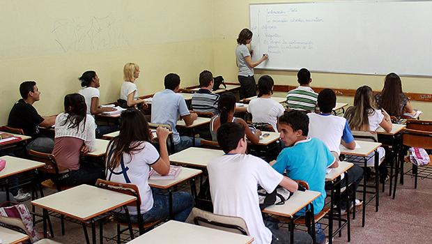 Goiás está entre os 9 estados que crescem em português e matemática no ensino médio