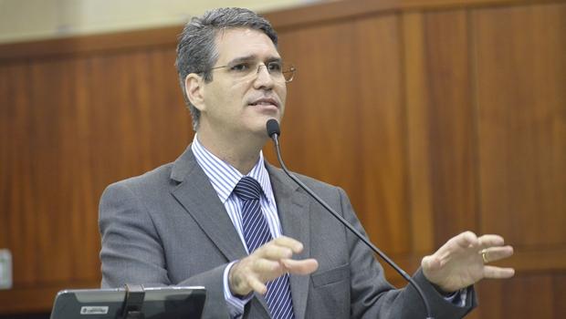 Francisco Júnior se destaca na Assembleia e como crítico da gestão ineficiente de Iris