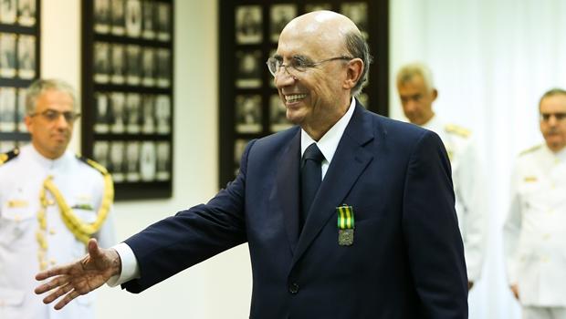 Crise política não afeta economia, diz Henrique Meirelles