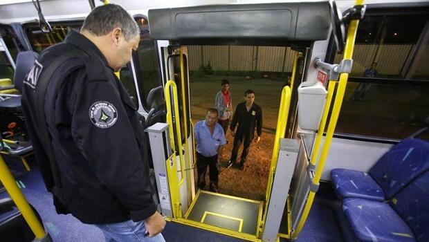 Ônibus são autuados por problemas de acessibilidade