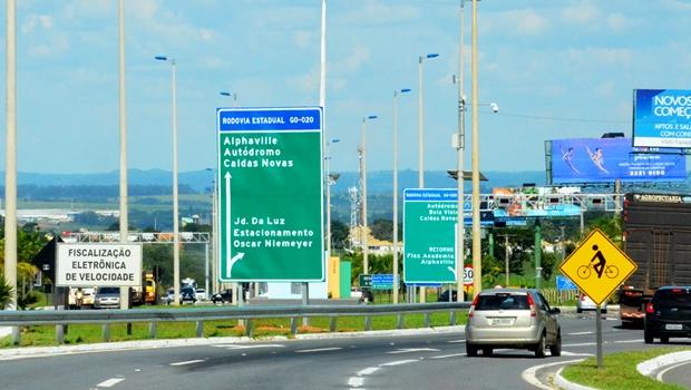Agetop começa a implementar nova sinalização nas rodovias goianas