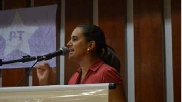 Kátia Maria Santos é eleita primeira mulher presidente do PT em Goiás