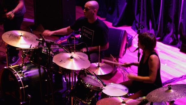Bananada uniu duas bandas no palco e elas fizeram o melhor show do festival