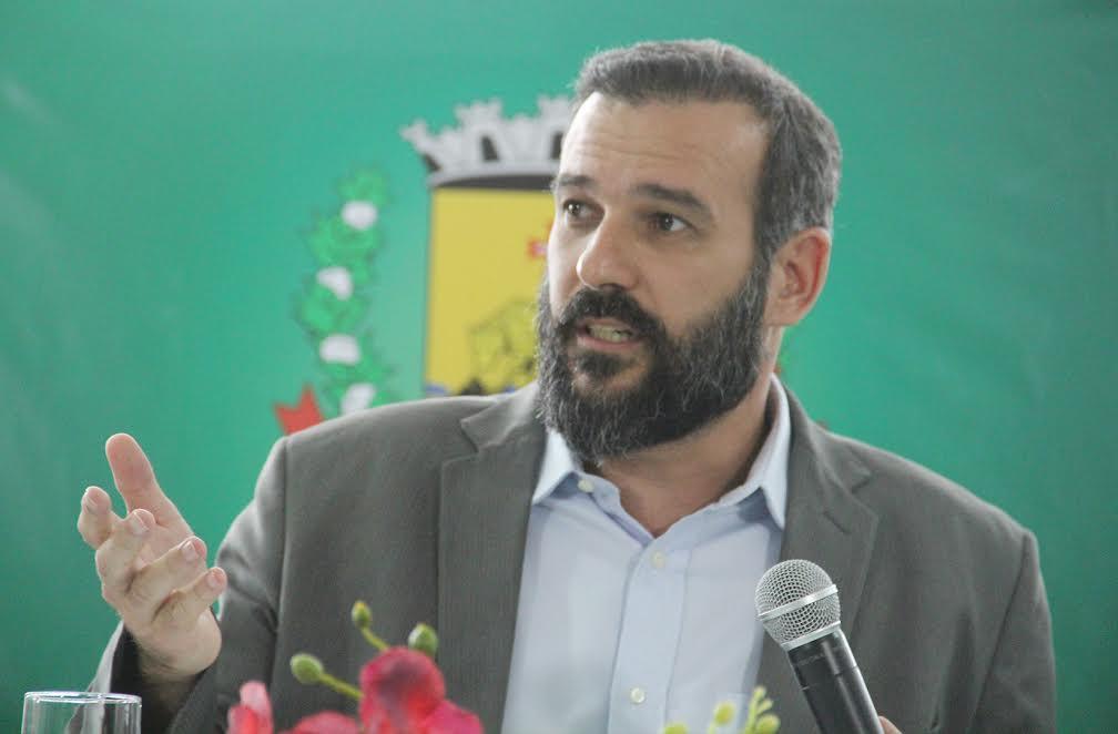 Secretário diz que Renato de Castro é aprovado por 72% da população e aposta em reversão da cassação