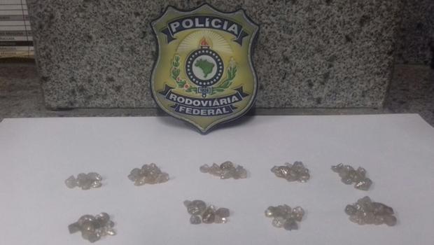 Em Goiás, PRF apreende carga de diamantes avaliada em quase R$ 1 milhão