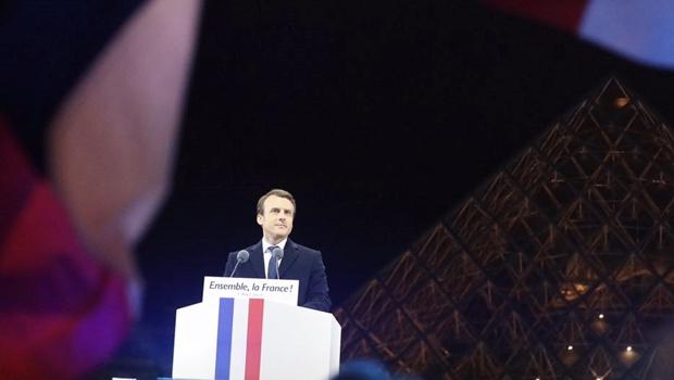 """""""É uma mexida no bom senso"""", diz deputado sobre novo presidente da França"""