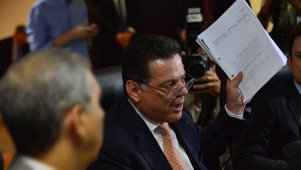 """""""Enquanto eu for governador, não disputarei presidência do PSDB"""", rebate Marconi"""