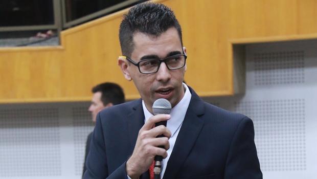 """Vinícius Cirqueira diz que """"nem pensou"""" em ser líder do prefeito na Câmara"""