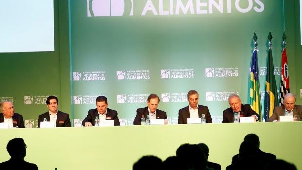 Em Goiás, especialistas discutem fortalecimento do ambiente de negócios