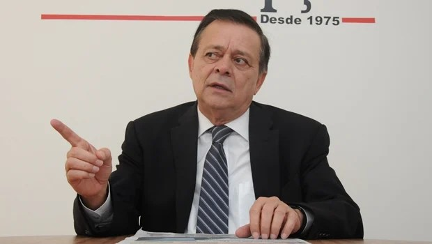 """""""Presidente é uma figura intocável neste momento"""", diz líder da bancada do PTB"""